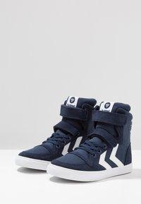 Hummel - SLIMMER STADIL - Zapatillas altas - dress blue - 3