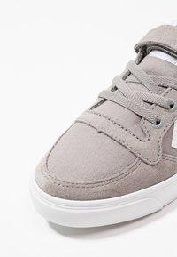 Hummel - SLIMMER STADIL - Zapatillas - frost grey - 2