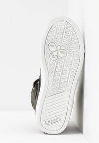 Hummel - SLIMMER STADIL - Sneakers high - rosin - 5