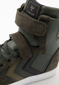 Hummel - SLIMMER STADIL - Sneakers high - rosin - 2