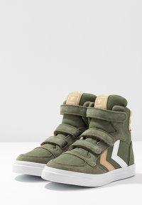 Hummel - STADIL - Zapatillas altas - deep lichen green - 3