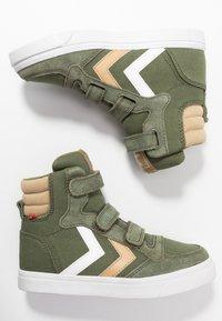 Hummel - STADIL - Zapatillas altas - deep lichen green - 0