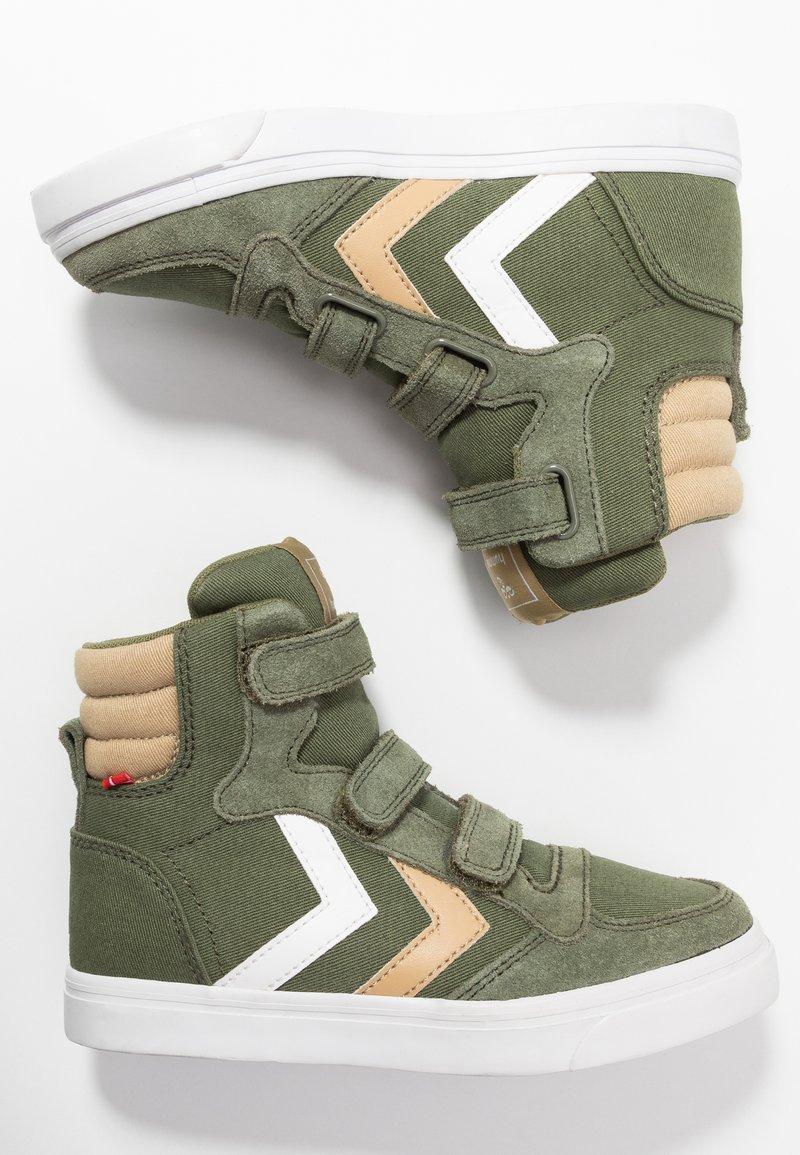Hummel - STADIL - Zapatillas altas - deep lichen green