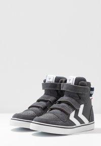 Hummel - STADIL PRO - Zapatillas altas - asphalt - 3