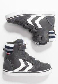 Hummel - STADIL PRO - Zapatillas altas - asphalt - 0