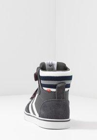 Hummel - STADIL PRO - Zapatillas altas - asphalt - 4