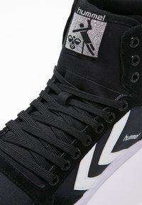 Hummel - SLIMMER STADIL - Zapatillas altas - black/white - 5