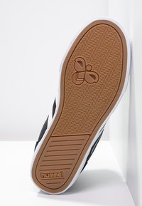 Hummel - SLIMMER STADIL - Zapatillas altas - black/white - 4