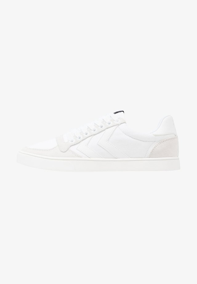 SLIMMER STADIL TONAL LOW - Trainers - white