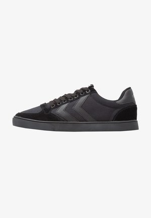 SLIMMER STADIL TONAL LOW - Zapatillas - black