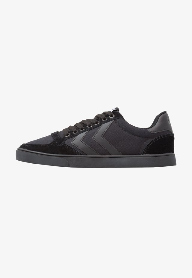 SLIMMER STADIL TONAL LOW - Zapatillas - black
