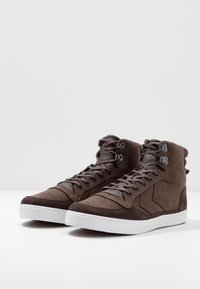 Hummel - STADIL WINTER - Zapatillas altas - chestnut - 2