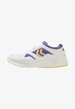 EDMONTON - Stabile løpesko - dahlia purple