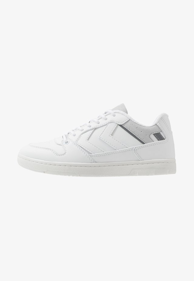 POWER PLAY PREMIUN - Zapatillas - white