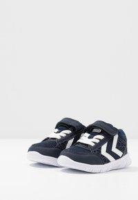 Hummel - CROSSLITE INFANT - Baskets basses - black iris - 3