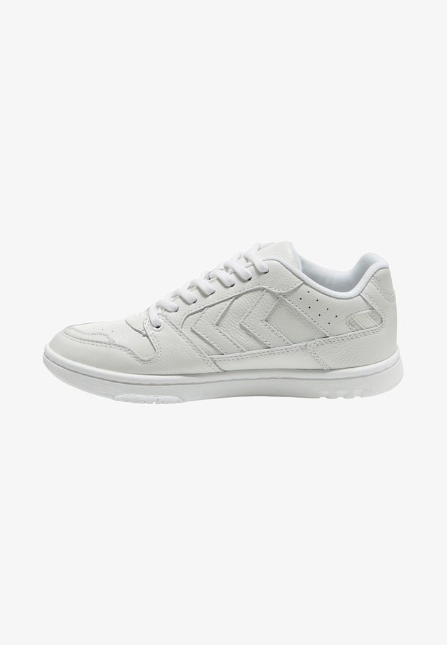 POWER PLAY - Sneakers laag - white