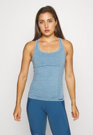 CLASSIC BEE SEAMLESS - Sports shirt - faded denim melange