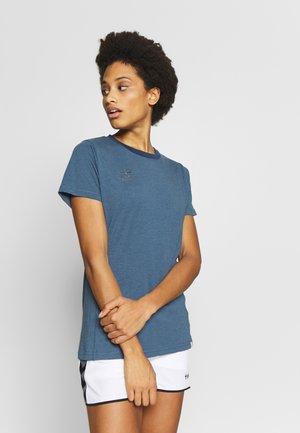 HMLMOVE  - Camiseta básica - bering sea