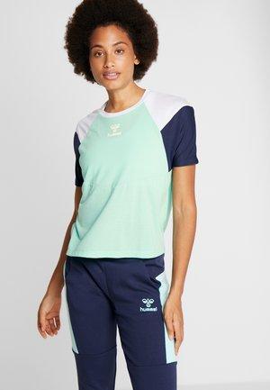 ROBIN - Sports shirt - ice green