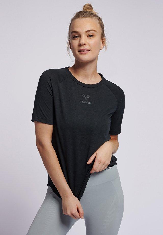HMLVANJA - T-shirts basic - black