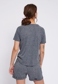 Hummel - PEYTON  - Print T-shirt - black - 2