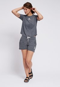 Hummel - PEYTON  - Print T-shirt - black - 1