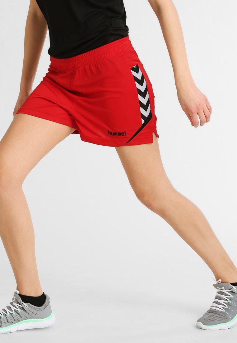 Hummel - CHARGE SHORTS - Pantalón corto de deporte - true red