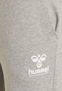 Hummel - Tracksuit bottoms - grey melange - 2
