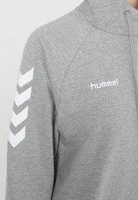 Hummel - HOODIE WOMAN - Mikina skapucí - grey melange - 5