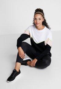 Hummel - HMLSTUDIO SWEATSHIRT - Sweatshirt - black - 1