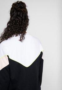 Hummel - HMLSTUDIO SWEATSHIRT - Sweatshirt - black - 4