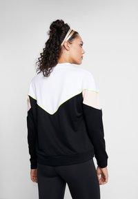 Hummel - HMLSTUDIO SWEATSHIRT - Sweatshirt - black - 2
