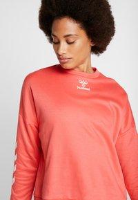 Hummel - COZY - Sweatshirt - calypso coral - 4
