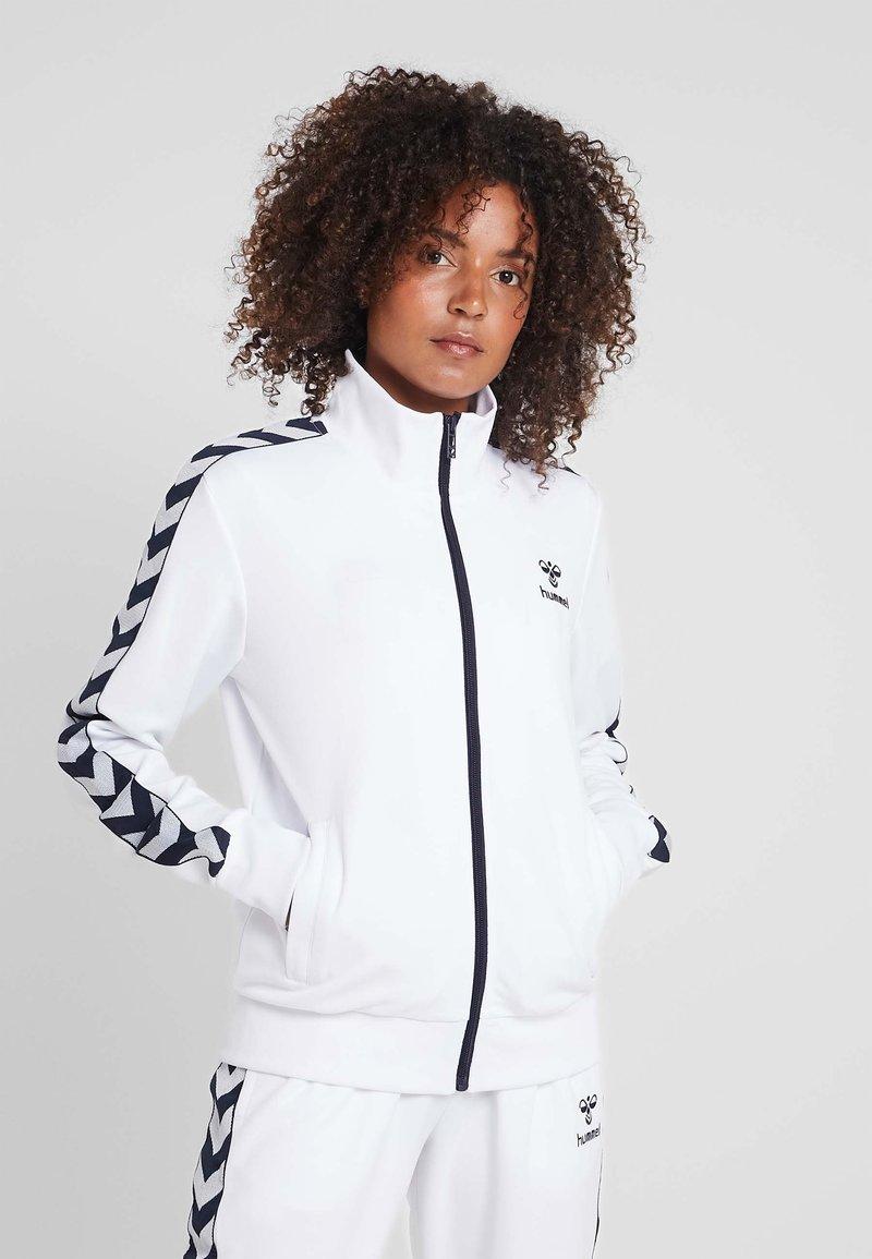 Hummel - DEE TRACKSUIT SET - Dres - bright white
