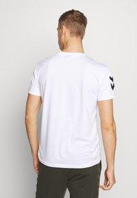 Hummel - Camiseta estampada - white - 2
