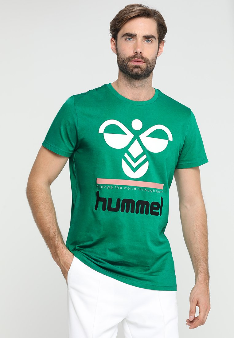 Hummel - WINSTON - Print T-shirt - pepper green