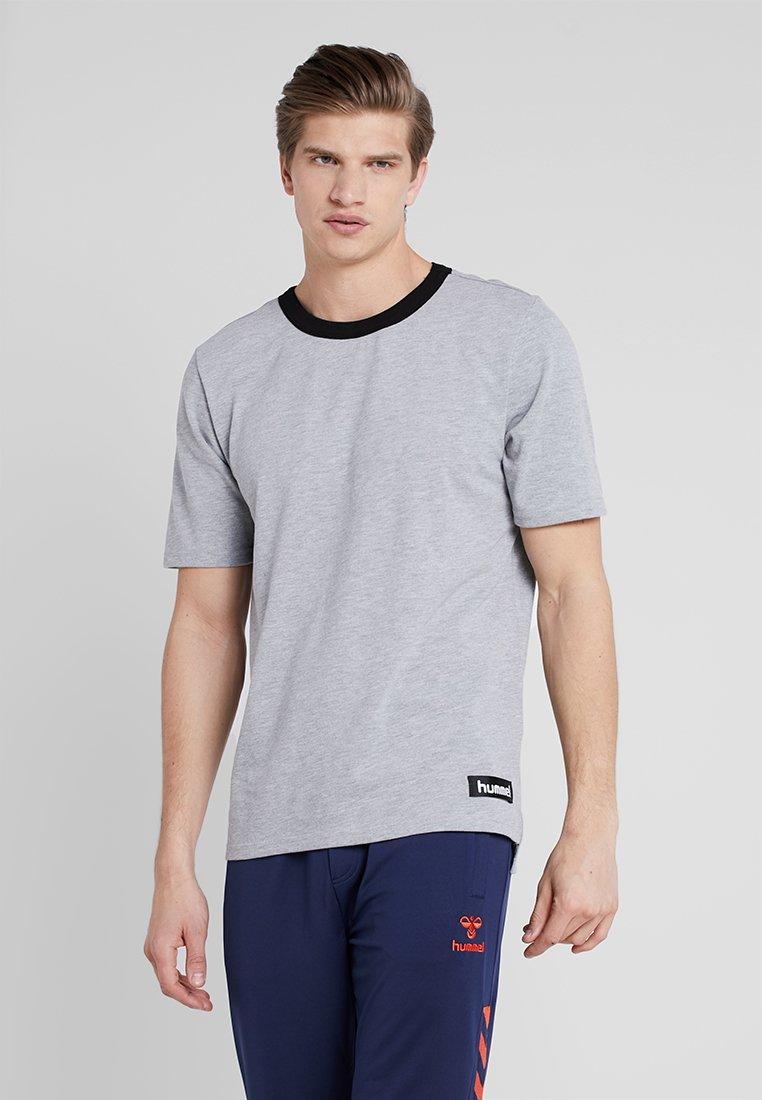 Hummel - GIBBS - Camiseta estampada - grey melange