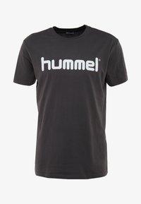 Hummel - GO LOGO - T-shirts med print - asphalt - 3