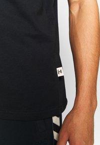 Hummel - MOVE - Camiseta estampada - black - 5