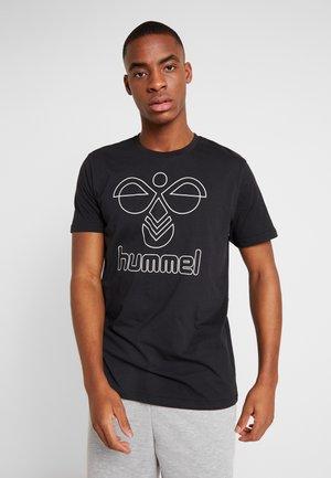HMLPETER - T-shirt imprimé - black