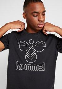 Hummel - HMLPETER - Triko spotiskem - black - 3