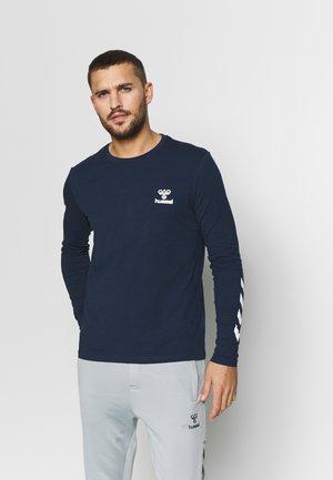 HMLSIGGE - Langærmede T-shirts - black iris