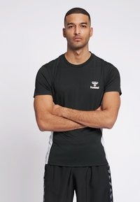 Hummel - LEINO  - Print T-shirt - black - 0