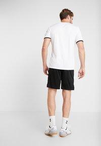 Hummel - CORE SHORTS - kurze Sporthose - black - 2
