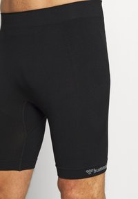 Hummel - MARTIN SEAMLESS CYCLING SHORTS - Medias - black - 4