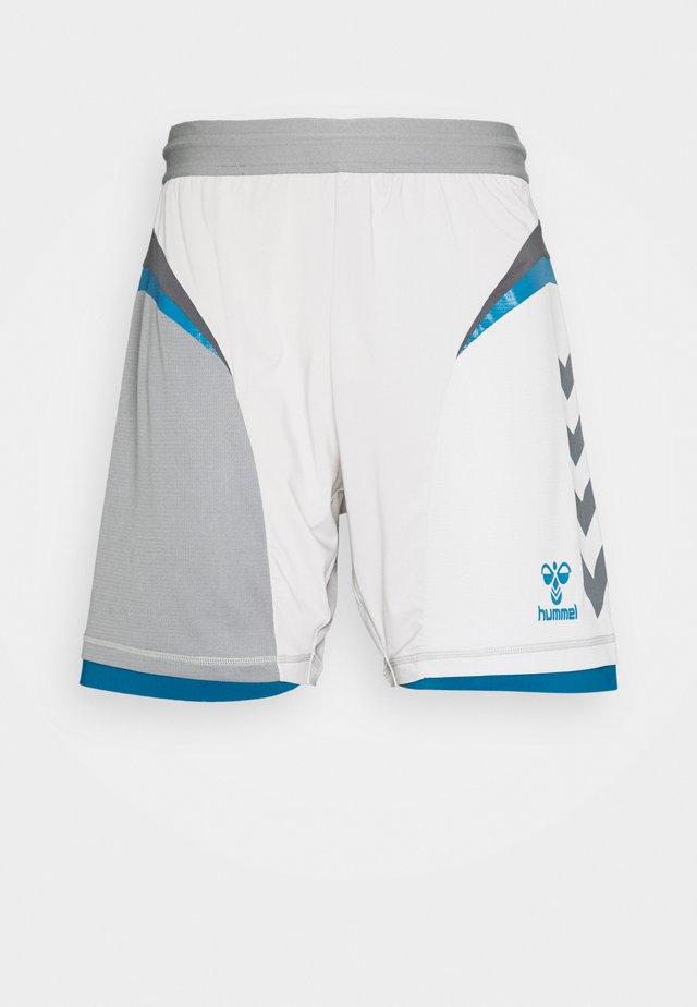 HMLINVICTA GAME SHORTS - kurze Sporthose - gray violet/sharkskin