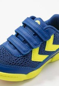 Hummel - ROOT - Obuwie treningowe - true blue - 2