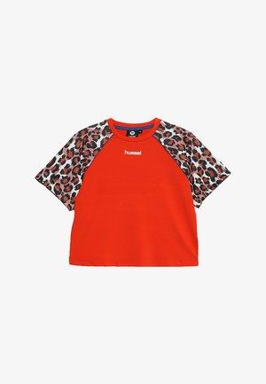 KATRINE - T-shirts print - tangerine tango
