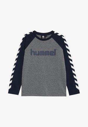 HMLBOYS  - Camiseta de manga larga - black iris
