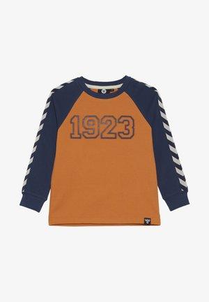HMLLUCKY - Camiseta de manga larga - apricot buff